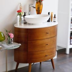 Oh Hey West Elm, this California girl (who squealed with glee when you opened her favourite store in London), just hacked your gorgeous Penelope dresser.  So happy with it. @westelm @westelmuk @nickmarshall65 @jackieroseroberts @dmitchr #westelm #westelmhack #mortarandmilk #fulham #londonbeauty #london #beauty #beautyblogger #sink #penelope @demamielskin @aureliaskincare @roullierwhite @oskiaskincare @radicalskincare @struthieruthie