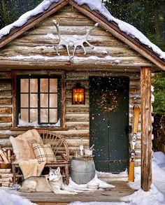 51 Silent Home Decor Cozy Winter Cabin - Home Decor Ideas Small Log Cabin, Tiny Cabins, Little Cabin, Tiny House Cabin, Log Cabin Homes, Cabins And Cottages, Cozy Cabin, Cottage Homes, Log Cabins