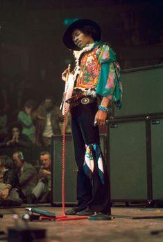 ziggyandstardust:  Jimi Hendrix