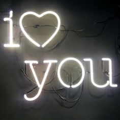 I love you neon sign lulawed.com #typography #wedding #love