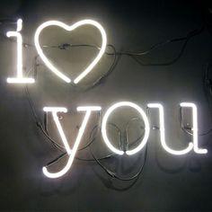 I love you neon sign lulawed.com #typography #wedding #love