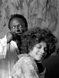 Miles and Betty Davis                                                                                                                                                     Más