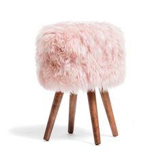Stolička s růžovým sedákem z ovčí kožešiny Royal Dream