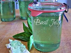 Fresh Basil Jelly--I am going to try making this. Home Canning Recipes, Canning Tips, Jelly Recipes, Jam Recipes, Herb Jelly Recipe, Cooker Recipes, Canning Food Preservation, Preserving Food, Canning Pressure Cooker