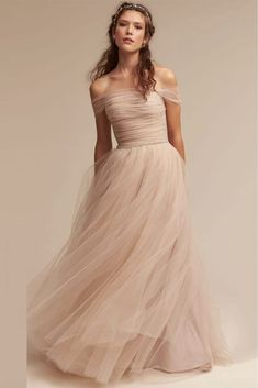 Cheap wedding gowns, Buy Quality tulle wedding gowns directly from China vestido de noiva Suppliers: y Love New Tulle Wedding Gown With Bell Sleeveless Appliqued Wedding Dress 2017 Sexy A-line Vestidos De Noiva Bridal Size Bhldn Wedding Dress, Gorgeous Wedding Dress, Tulle Wedding, Beautiful Gowns, Bridal Gowns, Wedding Dress Not White, Wedding Shoes, Backless Wedding, Wedding Beach