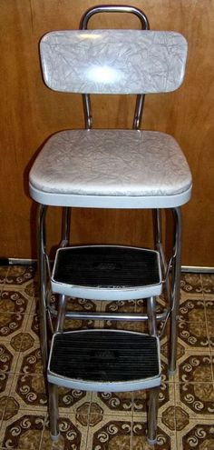 Vintage Cosco Gray Metal Step Foot Stool Ladder - saw this color today & Old step stool | Householt. Huishouden | Pinterest | Stools ... islam-shia.org