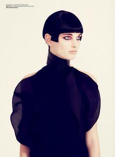 'Floral Samurai' Patricia Van Der Vliet by Sofia Sanchez & Mauro Mongiello for Vogue Turkey March 2013 [Editorial] - Fashion Copious