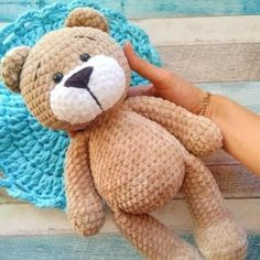 Crochet bear amigurumi Learn how to make a cute plush bear with this FREE amigurumi pattern! With mm crochet hook and Himalaya Dolphin Baby yarn you'll get a bear about Teddy Bear Patterns Free, Crochet Amigurumi Free Patterns, Crochet Dolls, Free Crochet, Crochet Cats, Crochet Appliques, Crochet Birds, Knitted Dolls, Crochet Animals