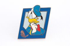 Donald Duck with Icon – Everything Disney Pins