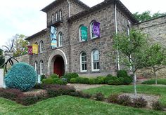 Susquehanna Style / destination / Doylestown / exploring / museum / restaurants / galleries / shops / historic / lodging / vintage / The Doylestown Inn / Hargrave House Bed and Breakfast / Mercer Museum / Castle / Italian / County Theatre / grapes / weekend trip /