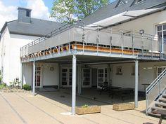 Ateliers Thines Baustert - Terrasses structure métallique (Asselborn - Luxembourg) Diy Pizza Oven, Balcony Design, House Roof, Luxembourg, Decking, Recherche Google, Pergola, Construction, House Design