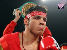 """El boxeador Julio César Chávez Jr., récord de (49-2-1, 32 KO) ganador por decisión unánime en la pelea contra el boxeador Marco """"Dorado"""" Reyes."""