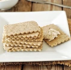 I decided to use brown rice flour with ground flaxseeds for extra nutrients and I added a small amount of maple syrup for flavor. The crackers had the perfect crunch as traditional crackers, we were very pleased with the outcome including Daevyd. Rice Cracker Recipe, Rice Flour Recipes, Rice Flour Crackers Recipe, Naan, Gluten Free Baking, Vegan Gluten Free, Healthy Crackers, Biscuits, Brown Rice Flour