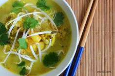 PicNic: Chicken and Shrimp Curry Laksa Healthy Canned Soups, Healthy Soup Recipes, Simple Recipes, Yummy Recipes, Chicken Gnocchi Soup, Chicken And Shrimp, Meals To Make With Chicken, Chowder Soup, Curry Shrimp