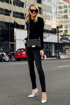 Fashion Jackson Wearing Alice and Olivia Black Lidia Sweater Mother Denim Black Skinny Jeans White Pumps Chanel Black Boy Bag Classy Outfits, Pretty Outfits, Stylish Outfits, Beautiful Outfits, Girl Outfits, Fashion Outfits, Fashion Clothes, Unique Outfits, Trendy Fashion