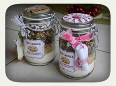 Kit SOS Cookies - un cadeau gourmand - Guide Astuces Mason Jar Meals, Meals In A Jar, Mason Jars, Christmas Gifts To Make, Christmas Paper Crafts, Jar Gifts, Food Gifts, Diy Birthday Gifts For Sister, Sister Gifts