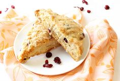 Natural Chow | Whole Wheat Cranberry Orange Scones | http://naturalchow.com