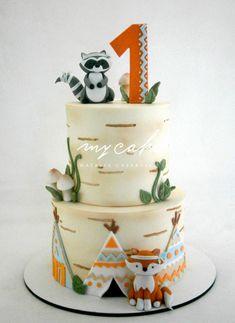 Pequeños animales tribales - cake by Natalia Casaballe Baby Boy 1st Birthday Party, Baby Birthday Cakes, Fox Cake, Woodland Cake, Baby Shower Cakes, First Birthdays, Cake Decorating, Estilo Tribal, Cake Toppers