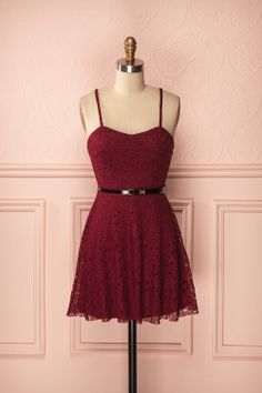 Rena Grenat - Burgundy lace dress with black belt