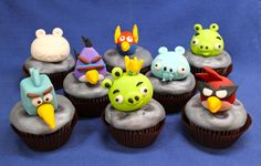 I made the Angry Birds out of fondant.