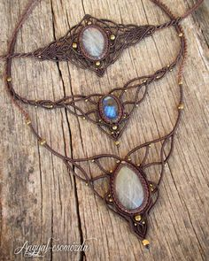 Most recent Absolutely Free Macrame necklace tutoriales Strategies Macrame Necklace, Macrame Jewelry, Fabric Jewelry, Macrame Bracelets, Diy Necklace, Wire Earrings, Wire Jewelry, Micro Macramé, Macrame Tutorial
