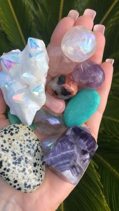 Crystal Magic, Crystal Healing Stones, Crystal Grid, Stones And Crystals, Amethyst Crystal, Minerals And Gemstones, Rocks And Minerals, Crystal Aesthetic, Rocks And Gems