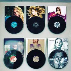 Vinyl Record Display, Vinyl Record Art, Record Wall, Vinyl Records, Vinyl Room, Wall Vinyl, Skateboard Room, Cd Wall Art, College Room Decor