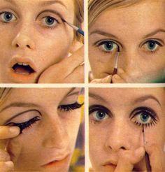 Twiggy being Twiggy. How to make up twiggy style. Mod Makeup, Twiggy Makeup, Retro Makeup, Makeup Inspo, Makeup Inspiration, Makeup Tips, Beauty Makeup, Hair Makeup, Iconic Makeup
