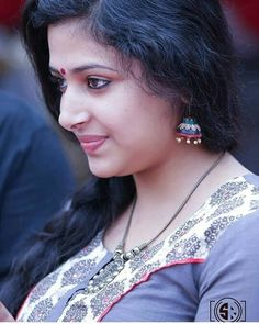 Anu Sithara is a well known Malayalam actress and a trained dancer. She is extremely beautiful and even considered as the face that is goi. Beautiful Girl Indian, Most Beautiful Indian Actress, Beautiful Actresses, Cute Beauty, Beauty Full Girl, Beauty Women, Malayalam Actress, Stylish Girl Images, Indian Beauty Saree