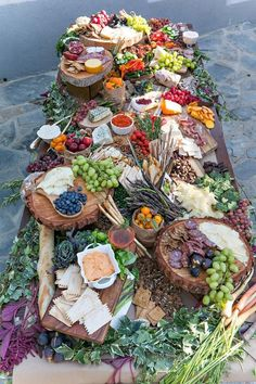 19 Biggest Wedding Trends to Bookmark in 2020 grazing food tables, diy wedding food station. Party Platters, Party Food Buffet, Food Platters, Cheese Platters, Wedding Appetizer Table, Cheese Table Wedding, Antipasto, Charcuterie And Cheese Board, Charcuterie Platter