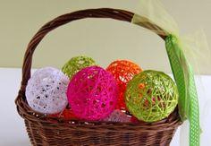 Supplies for Yarn Balls: yarn a bag of balloons white craft glue: Like Elmer's   http://www.makeandtakes.com/glue-yarn-ball-tutorial