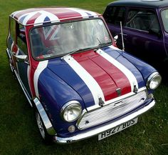 Classic Mini Cooper with Union Flag exterior and interior  (Photo: decampos, Flickr)