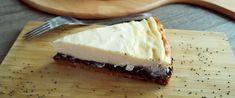 Klasszikus sajttorta mákos krémmel rétegezve - Így nem fog megrepedni a teteje - Receptek   Sóbors Cheesecake, Food, Cheesecakes, Essen, Meals, Yemek, Cherry Cheesecake Shooters, Eten