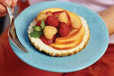 Cheesecake Tarts - Chilled Summer Pies - Southernliving. We lightened up one our favorite cheesecake recipes for a totally delicious (and guilt-free) summer indulgence. Instead of baking the batter in a spring-form pan, we used a set of 4-inch tart pans with removable bottoms. Fresh nectarines and a colorful medley of berries add the finishing touch.  Recipe:Cheesecake Tarts