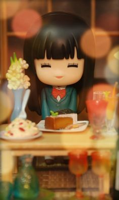 Kimi ni Todoke nendoroid- I REALLY want one of these so I can take photos like this! :D
