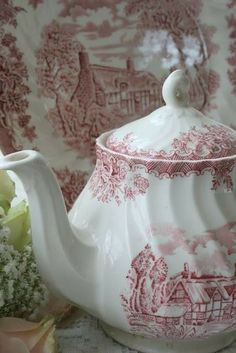 Hello everyone, Just a few more teapots and this time it is my red and white transferware collection. Vintage Dishes, Vintage Tea, Red And Pink, Red And White, Blue Green, Fresh Farmhouse, English Farmhouse, Red Cottage, Teapots And Cups