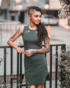 Cool Tattoos Pictures, Picture Tattoos, Cute Girl Tattoos, Tattoo Girls, Tees Maar Khan, Full Body Tattoo, Net Worth, Indian Beauty, Bollywood Actress