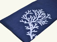 White Coral Table Runner - by KainKain on Etsy