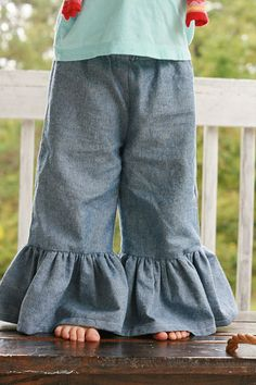 DIY Ruffle pants tutorial- can someone pls make me these?