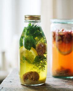 Prickelnde, selbstgebraute Kefir Limonade für die sonnigen Frühlingstage.