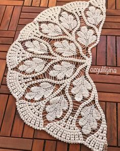 Best 11 Good morning I know you're curiously waiting, so I'll buy a ♥ ️. That woman … – – SkillOfKing. Col Crochet, Crochet Fabric, Crochet Doily Patterns, Crochet Poncho, Lace Knitting, Crochet Motif, Crochet Crafts, Crochet Doilies, Crochet Stitches