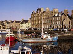Google Afbeeldingen resultaat voor http://www.ukbusinessdirectoryltd.co.uk/images/120-2322~kirkwall-harbour-mainland-orkneys-scotland-united-kingdom-posters.jpg