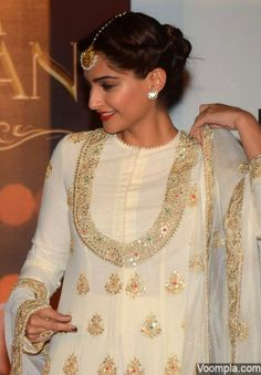 Sonam Kapoor goes traditional in an outfit by designer Anamika Khanna. Hair and makeup by Namrata Soni and styled by sister Rhea. via Voompla.com