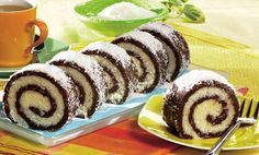 Coconut roulade- coconut roll Ingredients : grinded biscuits 2 spoons of cocoa sugar su. Czech Recipes, Tea Recipes, Sweet Recipes, Cooking Recipes, Czech Desserts, Romanian Desserts, High Tea Food, Kolaci I Torte, Small Cake
