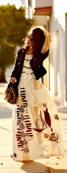 Striped top, maxi skirt and leopard bag. Nice!
