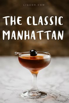 Brush up on the classics with this famous cocktail. The is one of our favorite Famous Cocktails, Vodka Cocktails, Classic Cocktails, Summer Cocktails, Alcoholic Drinks, Martinis, Beverages, Cocktail Shots, Cocktail Sauce