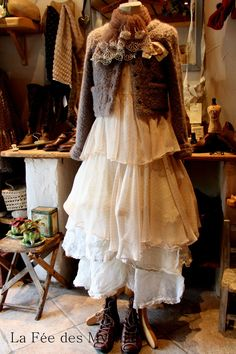 Ooh, another woodland fairy... they whip up awesome outfits.