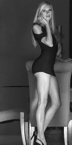 Maria Sharapova Black And White http://decorationlovers.com/