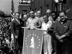 Selling War Bonds Indiana 1942