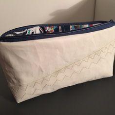 Trousse a maquillage en toile de voile de bateau Sailing Outfit, Diaper Bag, Upholstery, Boutique, Canvas, Bags, Toile, Clutch Bag, Clutch Bags